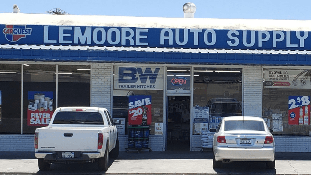 Lemoore Auto Wrecking, lemoore, California wrecking yard